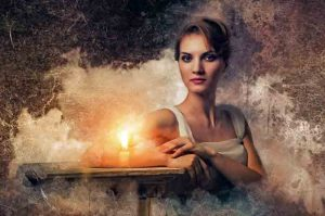 Девушка, свеча, женщина