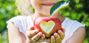 яблочный спас, ребенок, яблоко